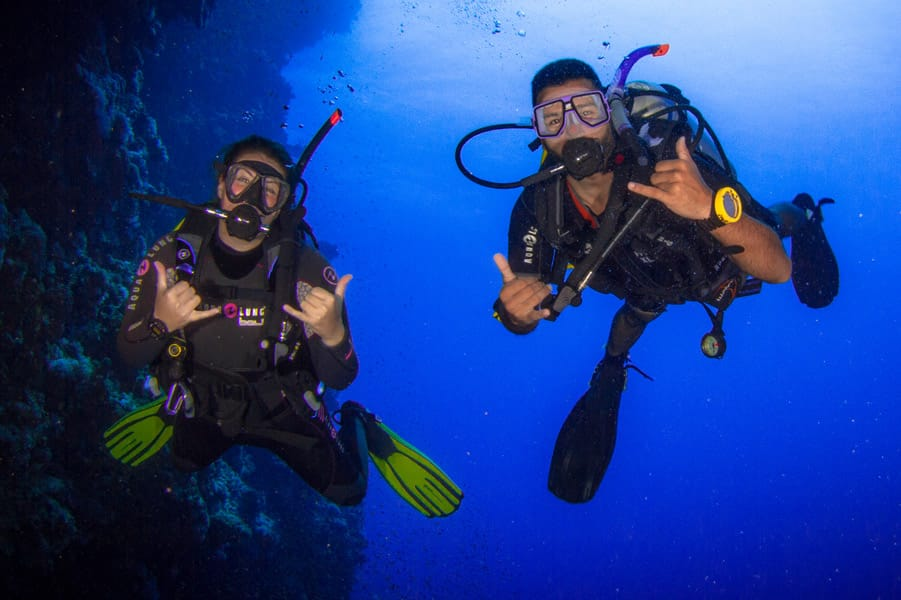 PADI courses and diving packages with H2O Divers Dahab